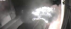 Incendiava auto per divertimento, piromane seriale arrestato a Trapani