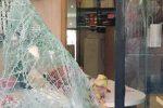 Nuovo furto con spaccata a Pozzallo, sfondata la vetrina di un bar