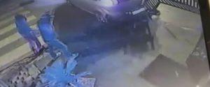Usavano auto per spaccare le vetrine nel Ragusano: le immagini che incastrano i colpevoli