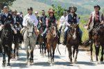 A Sambuca l'equiraduno di primavera, il borgo visitato a cavallo
