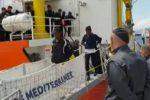 Sbarcata a Messina una nave con 73 migranti