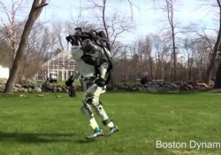 Nei video della Boston Dynamics l'androide Atlas