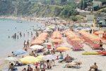 Castellammare, a pulire le spiagge saranno i disoccupati: disponibili 44 posti