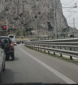 Due auto in avaria in autostrada, lunghe code tra Palermo e Isola delle Femmine