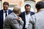 Giancarlo Giorgetti (S) e Matteo Salvini dopo il vertice a Palazzo Grazioli