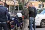 Cellulare alla guida, in azione gli agenti in borghese a Palermo: pioggia di multe