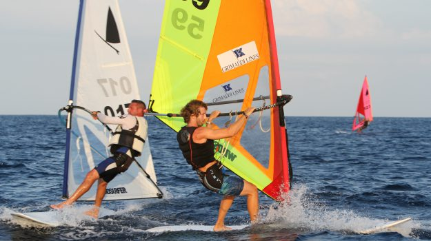 Mondello windsurfer, Palermo, Sport