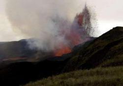 Il vulcano sull'isola Isabela, nelle Galápagos, ha uno dei crateri più grandi del mondo