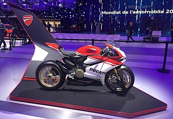 il salone dell 39 auto di parigi si amplia con il mondial de la moto giornale di sicilia. Black Bedroom Furniture Sets. Home Design Ideas