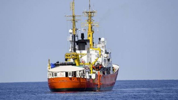 migranti, nave aquarius, Sicilia, Mondo