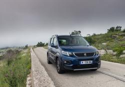 Rifter, il multispazio Peugeot che strizza l'occhio ai suv