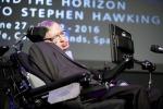Andranno nello spazio le parole di pace di Stephen Hawking