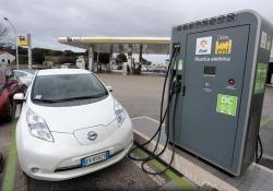 Auto elettriche, industria Ue investe di più in Cina