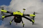 Un drone che consegna un defibrillatore (credit Karolinska Institute)
