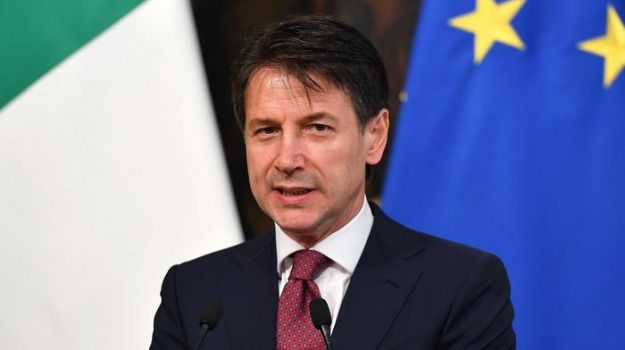 macron non si scusa, nave aquarius, Emmanuel Macron, Giuseppe Conte, Matteo Salvini, Sicilia, Politica