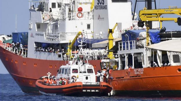 Migranti Acquarius, Leoluca Orlando, Matteo Salvini, Sicilia, Politica