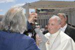 Cuticchio dona al Papa il pupo San Francesco, da Palermo un simbolo di pace