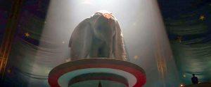 Il visionario Tim Burton fa rivivere Dumbo al cinema: live action nel 2019