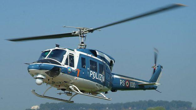 Palermo, blitz con l'elicottero a Ballarò: fermati quattro pusher