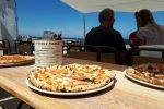 Pizza, la catena londinese Franco Manca festeggia un anno di attività in piazza a Salina