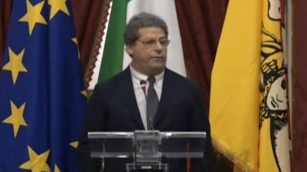 Gli assetti della politica regionale, Forza Italia contro il presidente Musumeci