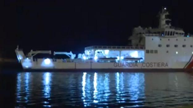 Immigrazione, nuovo sbarco a Pozzallo: arriva nave carica di 509 profughi