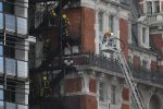 epaselect epa06789480 Emergency service respond to a fire at the Mandarin Oriental Hotel in London, Britain 06 June 2018. Over 100 firefighters attended a small fire at the luxury hotel in the Knightsbridge area of London. EPA/NEIL HALL