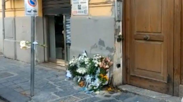 Incendio a Messina, il giorno dopo: saracinesche abbassate e lutto cittadino