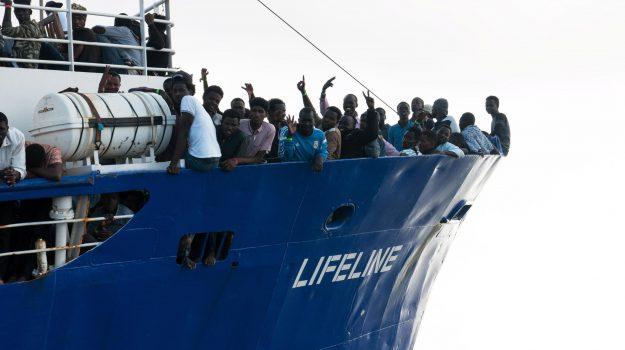 La nave Ong Lifeline