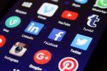 Quanto tempo trascorriamo sui social? Facebook pensa alla creazione di un contatore