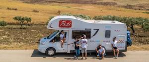 Un tour coast to coast in Sicilia, a bordo di un camper per raccontare l'Isola
