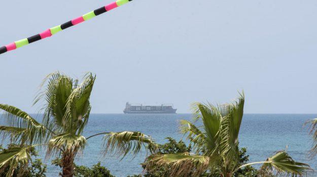 cargo Maersk, migranti, Ragusa, Cronaca