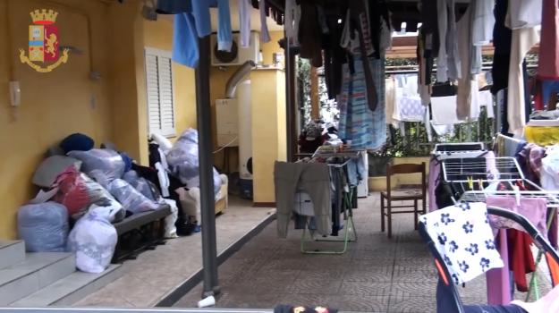 centri di accoglienza, maltrattamenti migranti, Sicilia, Cronaca