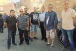 Alcuni commercianti a Castelvetrano (Foto di Elio Indelicato)