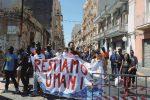 """Augusta, un corteo in difesa dei migranti: """"Non chiudiamo i porti a chi soffre"""""""