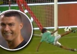 Dopo la vittoria sull'Algeria il portoghese si concede qualche palleggio col figlio di 7 anni