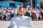 Il ballerino siriano Ahmad Joudeh danza al Parlamento Ue