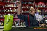 Roma svela passione per il gin e celebra World Cucumber Day