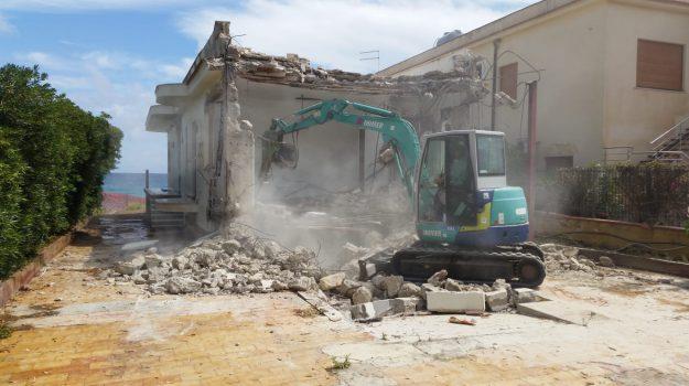 licata abusivismo, ville abbattute a Licata, Agrigento, Cronaca