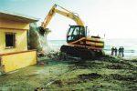 Abusivismo edilizio a Licata, si continua a demolire