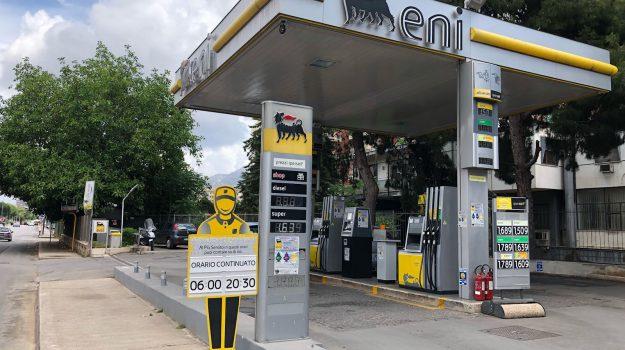 Rapina distributore benzina Palermo, Palermo, Cronaca