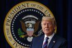 Usa, Trump cede: firmato decreto per riunire le famiglie di migranti