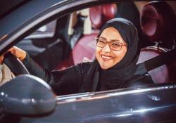 Donne saudite guidano, 'non ci crediamo'