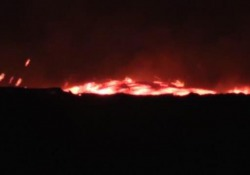 Nelle immagini l'impressionante discesa a valle del magma