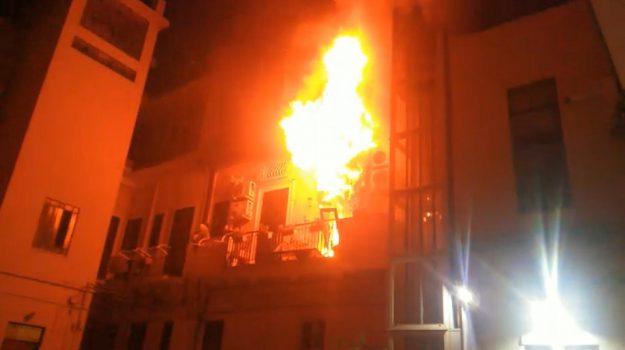 bimbi morti incendio, incendio messina, Messina, Cronaca