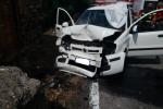 Si schianta con la sua auto contro un muro, una donna morta a Messina