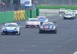 Fine settimana di gara a Monza. Ci siamo anche noi., con lui, Maurizio Spinali. Pilota per un giorno, nella 911 GT3 Cup numero 70. E in gara 1 andiamo (va) a podio... Ecco com'è andata