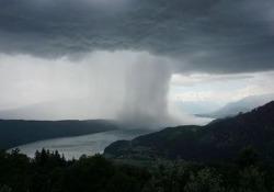 Milioni di clic per il video della tempesta sopra il lago Millstätter See, in Carinzia