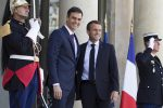 """Macron: """"Sanzioni per i Paesi che non accolgono i migranti"""". Salvini: """"Arrogante, apra i porti francesi"""""""