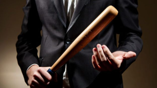 aggressione mazza da baseball catania, Catania, Cronaca